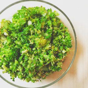 超簡単、常備菜に最適なブロッコリーのネギ塩和え
